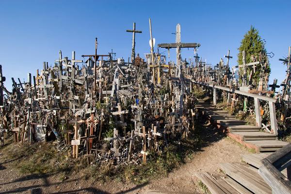 14-Kryziu-Kalnas-The-Hill-of-Crosses-Lithuania