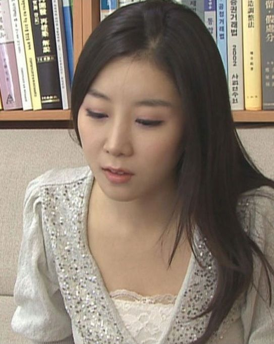 korean-woman-heart-shaped-face-surgery-3