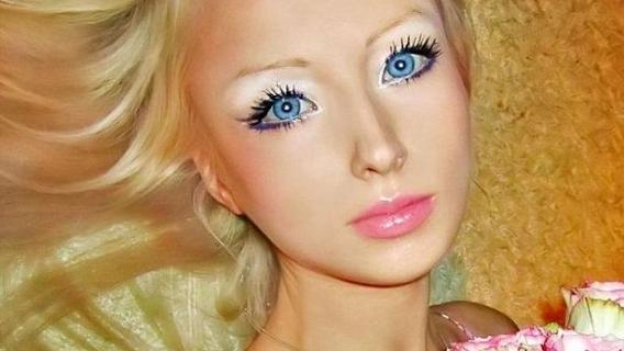 40 Photos of Human Barbie, Valeria Lukyanova