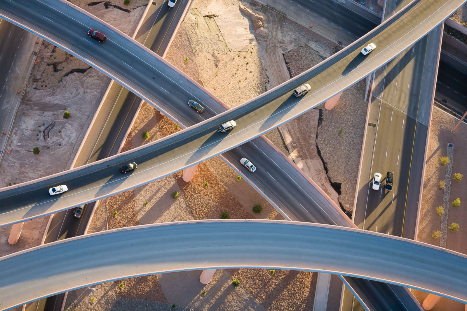 Interchanging flyovers in Albuquerque, New Mexico