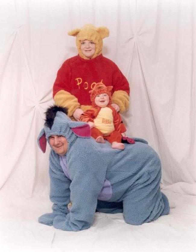 Viralscape - Awkward Family Portrait-16