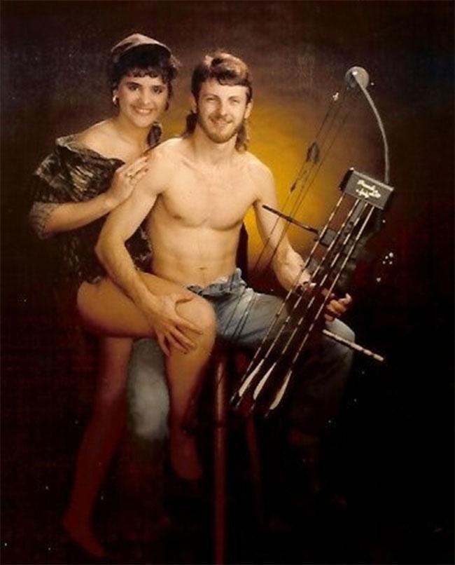 Viralscape - Awkward Family Portrait-17