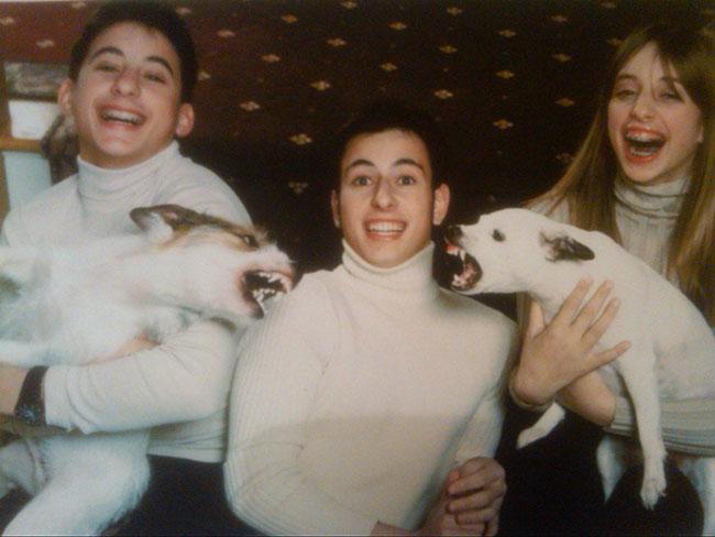 Viralscape - Awkward Family Portrait-19