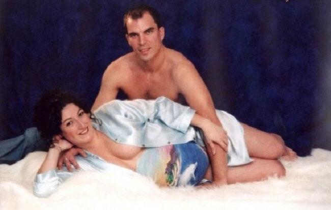 Viralscape - Awkward Family Portrait-23
