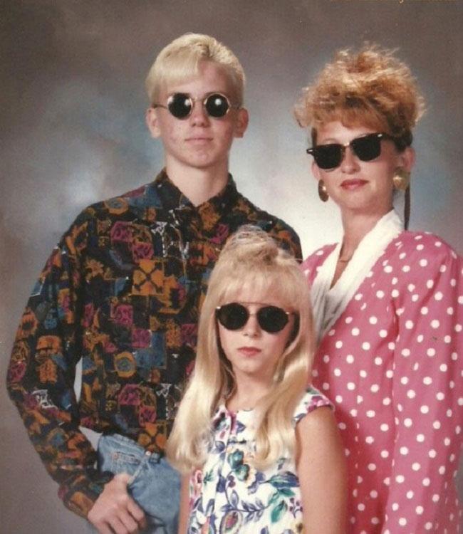 Viralscape - Awkward Family Portrait-4