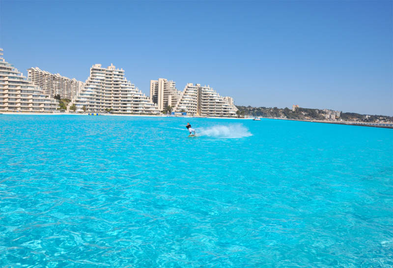 biggest-swimming-pool-in-the-world-san-alfonso-del-mar-1