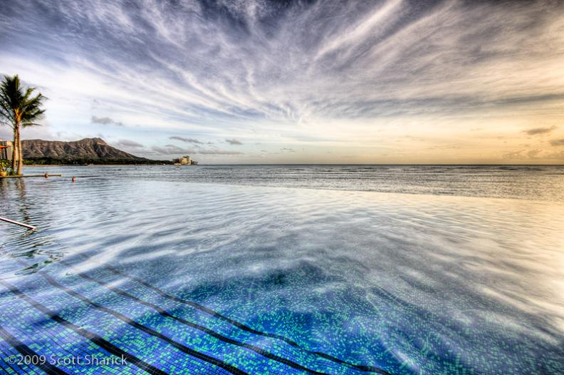 sheraton-waikiki-infinity-pool-hawaii