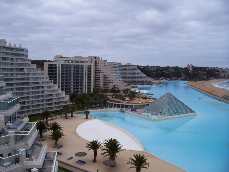 the-largest-swimming-pool-in-the-world-3
