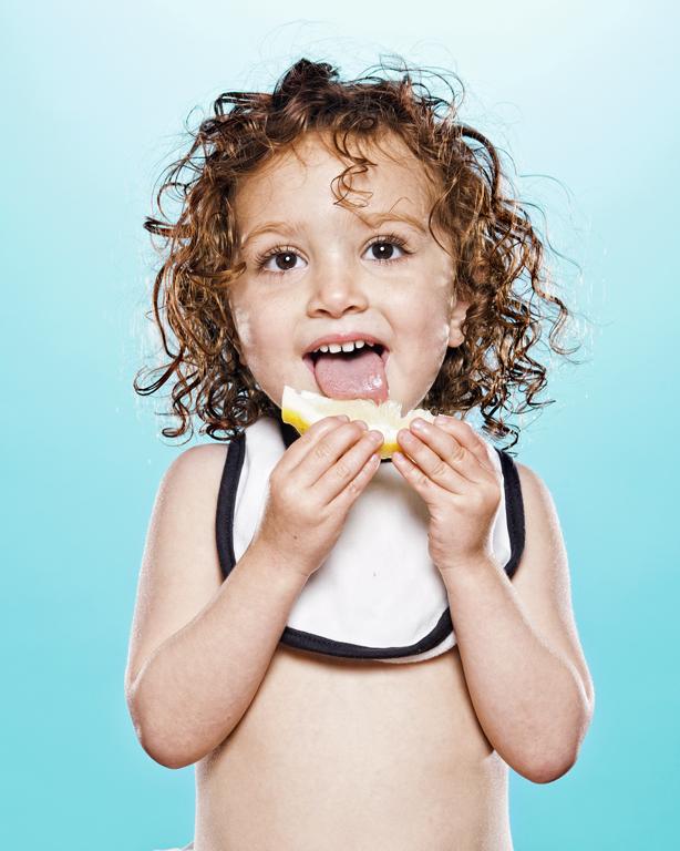 viralscape-babies-tasting-lemon-3