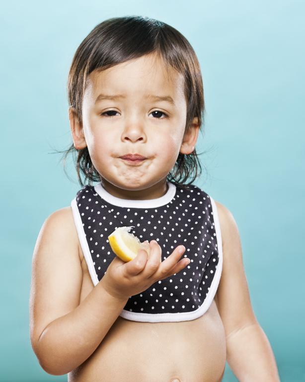 viralscape-babies-tasting-lemon-9
