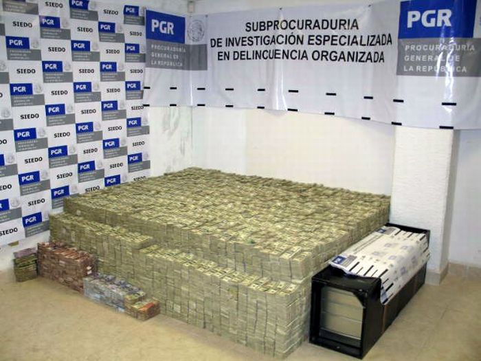 Mexican Drug Lord Home - From another angle