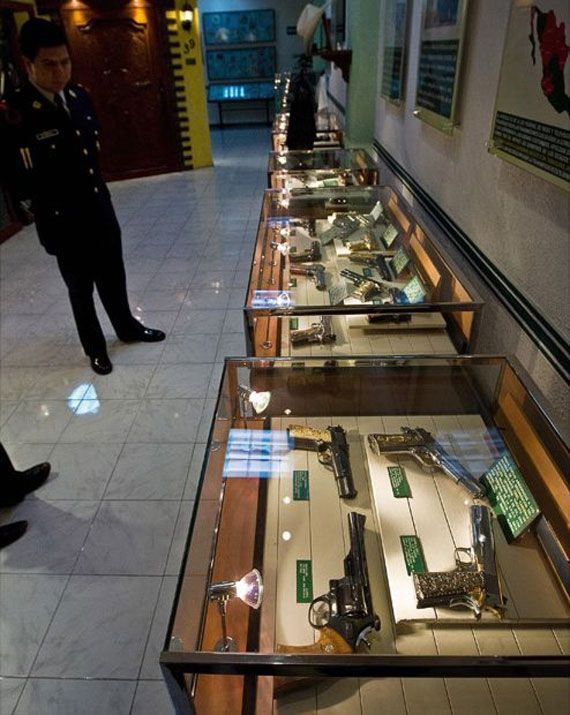 Mexican Drug Lord Home - This guy had a better gun collection that most legitimate museums do