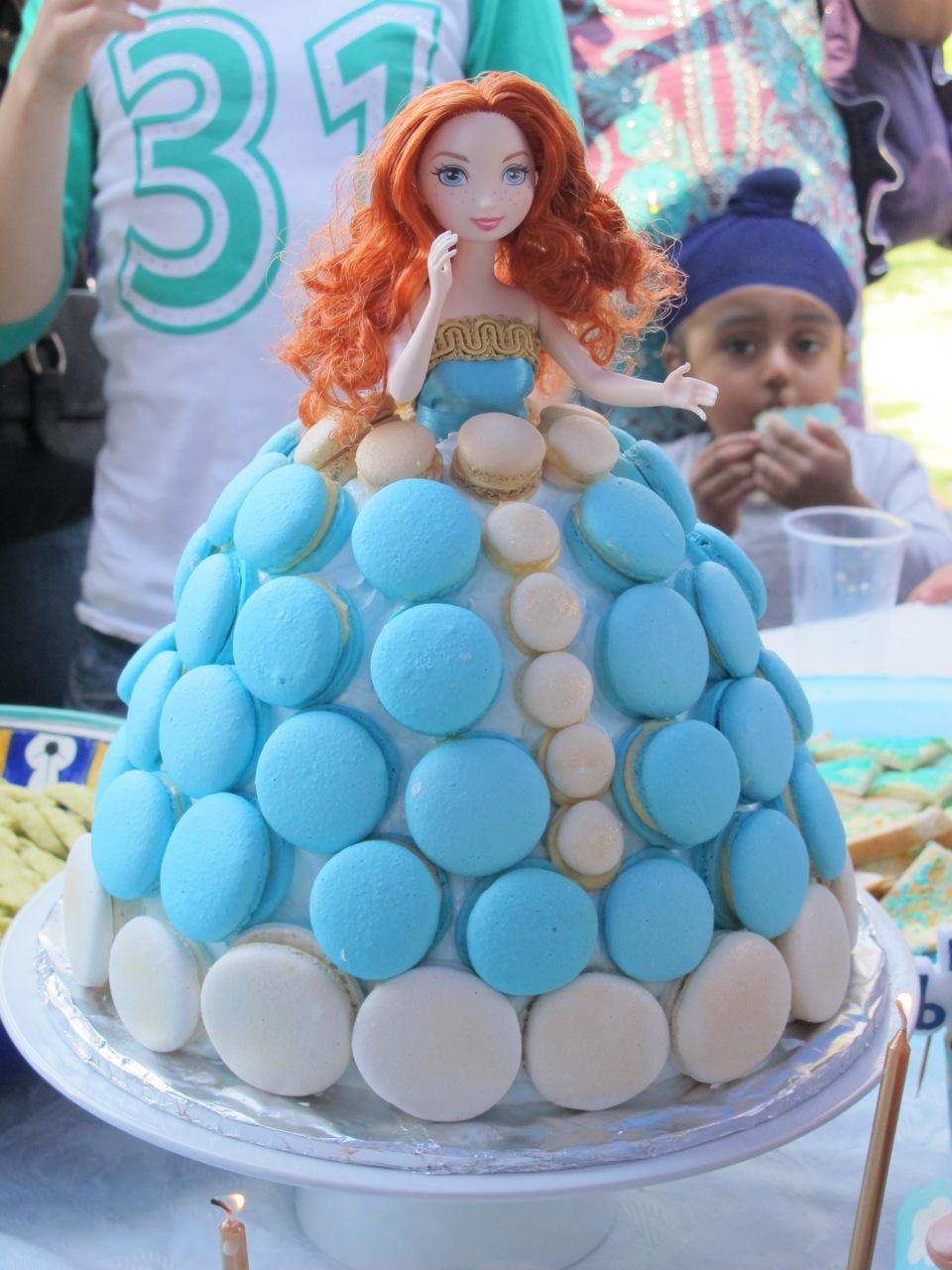 Princess Merida Macaron Cake