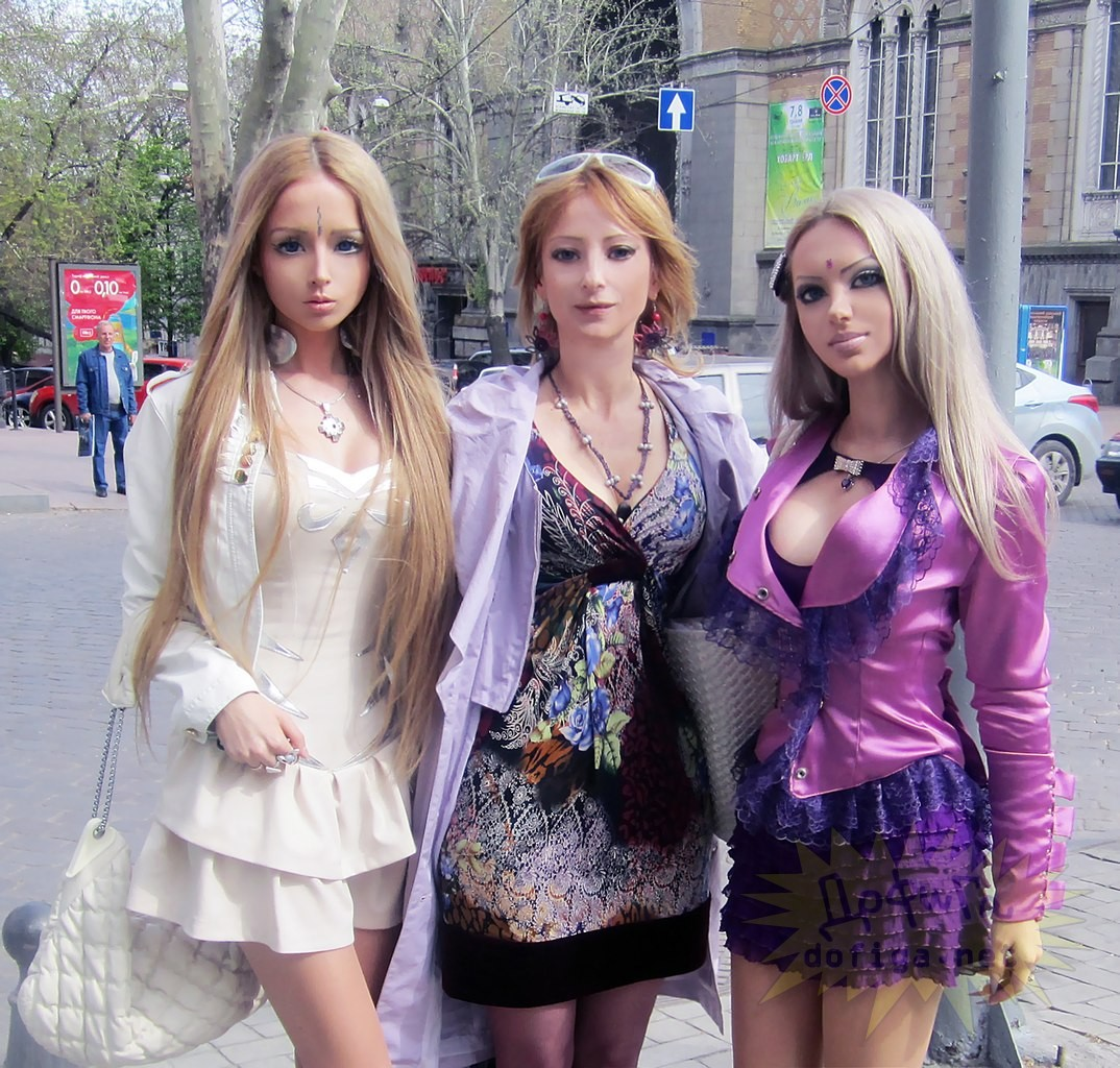 Real-Life Barbie Valeria Lukyanova With Her Mother And Best Friend