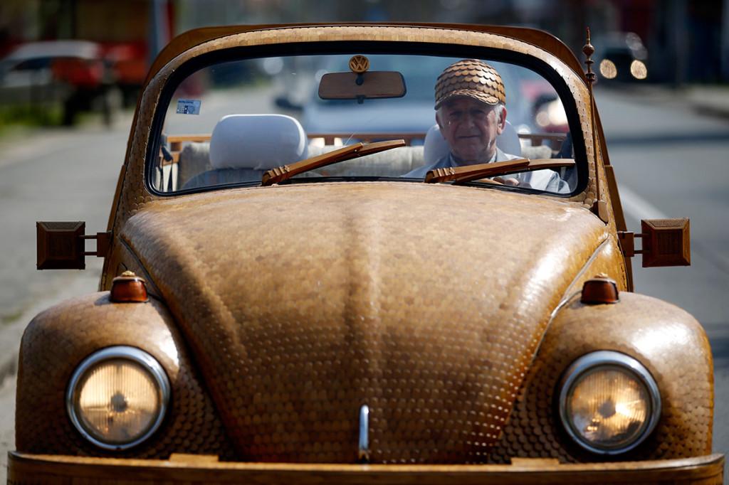 Wooden Volkswagen Beetle (6)