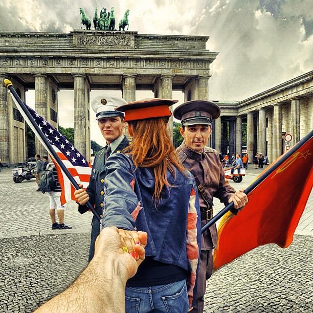 Travel to Brandenburg Gate