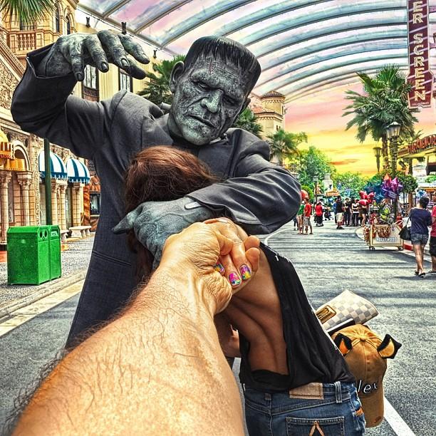 Travel to Universal Studios Sentosa