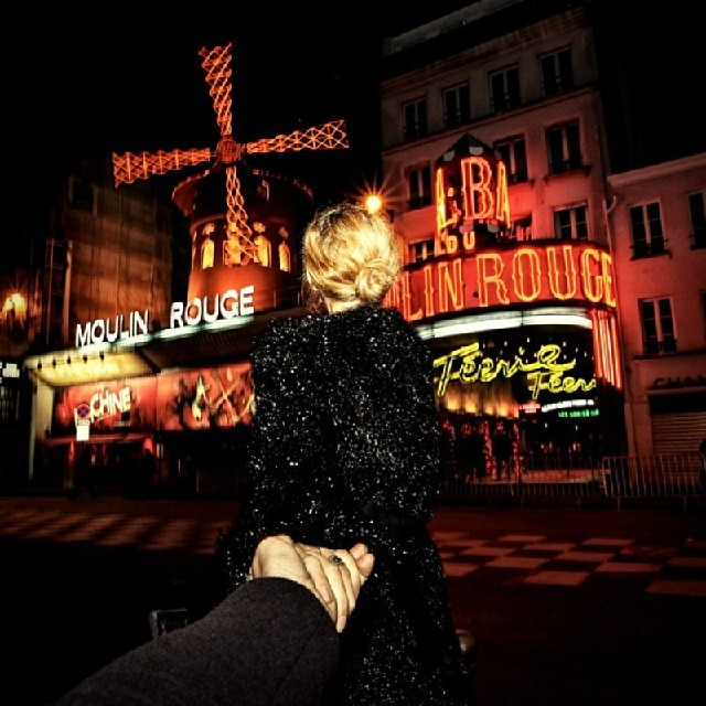 Travel to Moulin Rouge