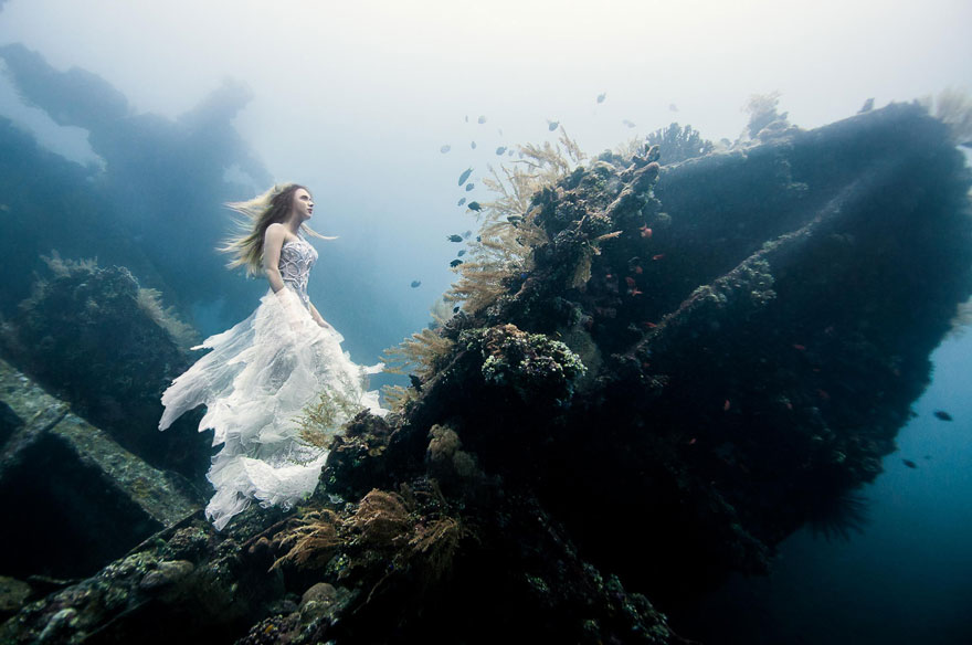 Model Underwater Photoshoot (2)