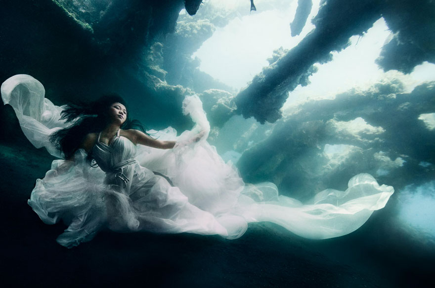 Model Underwater Photoshoot (4)