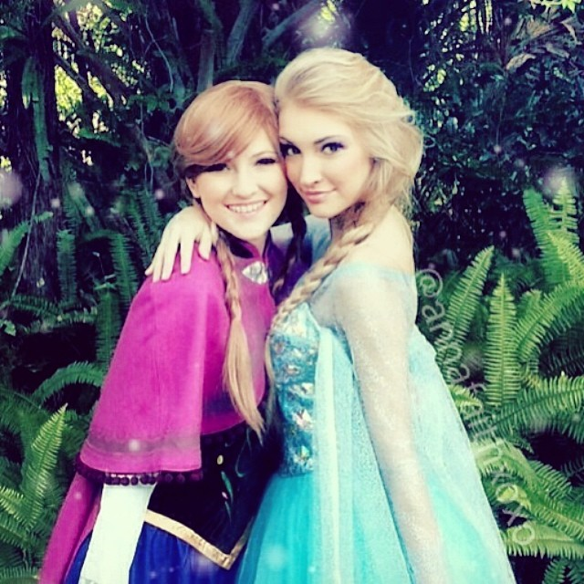 Real-Life Anna and Elsa from Frozen (5)