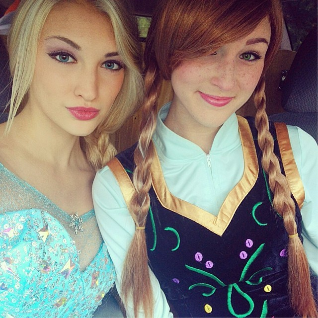 Real-Life Anna and Elsa from Frozen (6)