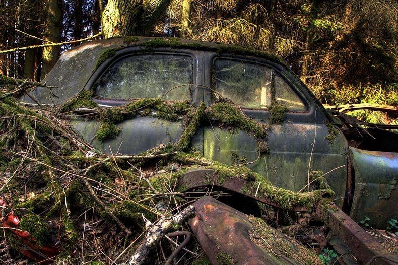Chatillon Car Graveyard (12)