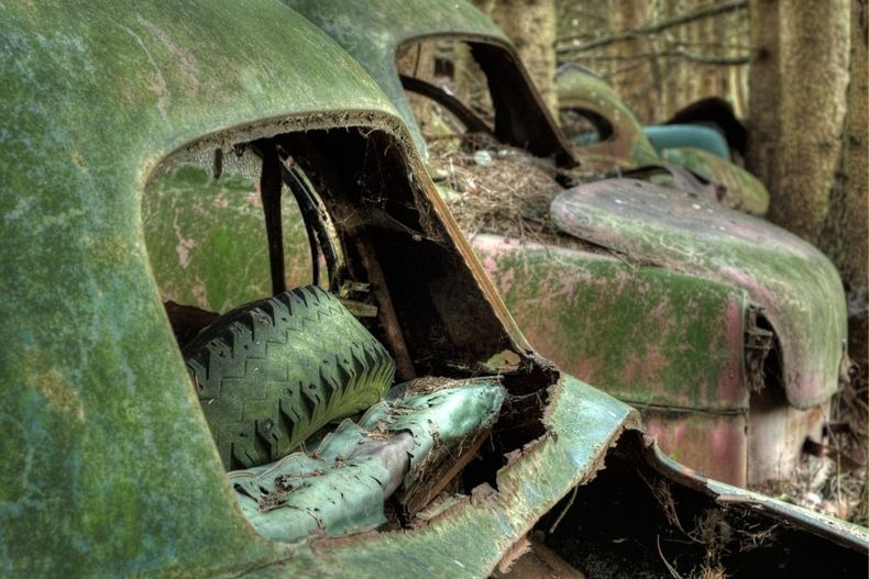 Chatillon Car Graveyard (16)