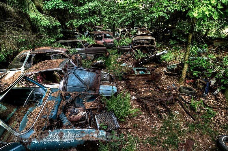 Chatillon Car Graveyard (3)