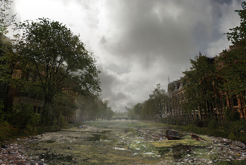 Post-Apocalyptic-Canals-Of-Amsterdam-The-Netherlands.jpg