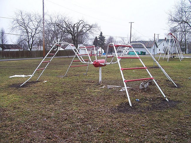 Creepy Playground (20)