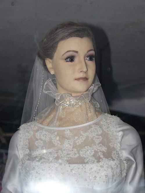 La Pascualita Mannequin (2)