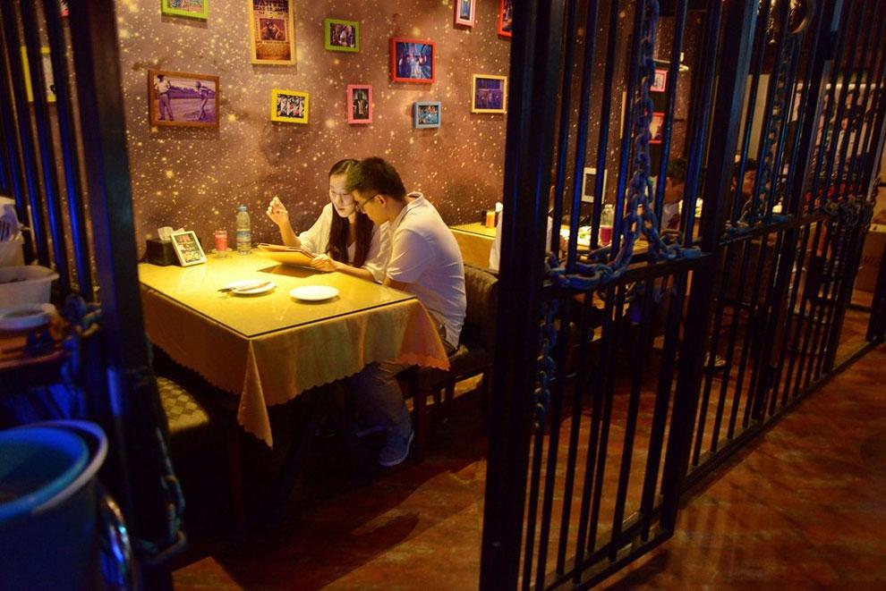 Prison Themed Restaurant (2)