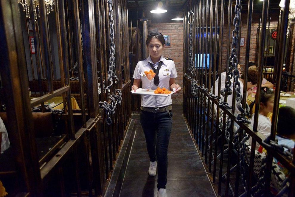 Prison Themed Restaurant (8)