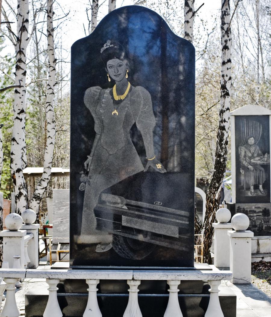 Russian Mafia Tombstone (18)