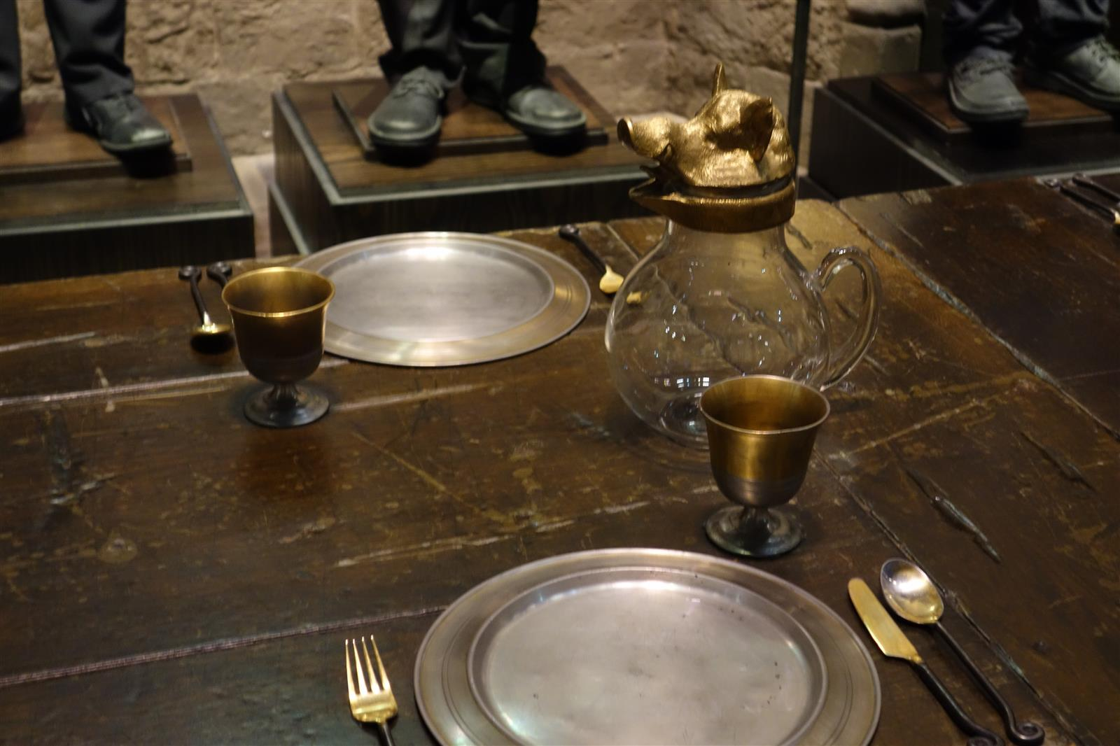 6. Great Hall Place Setting