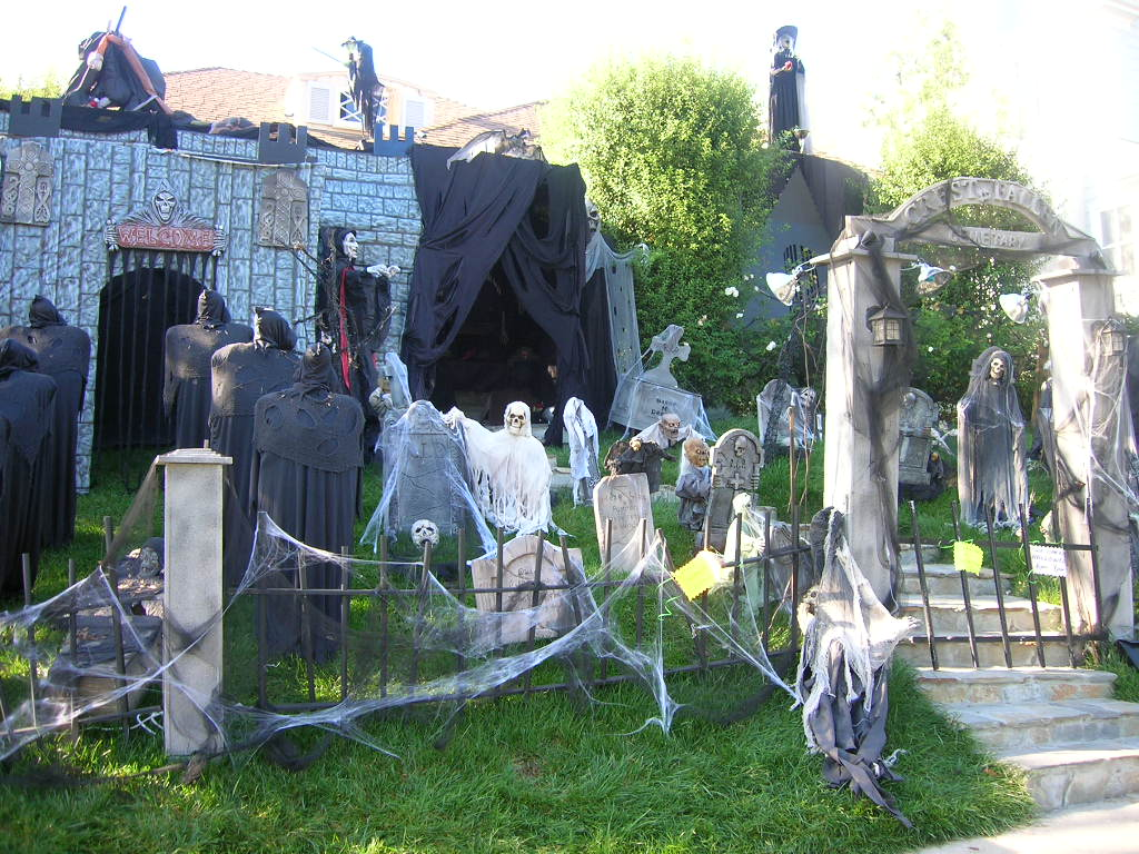 Cemetery Halloween Decor