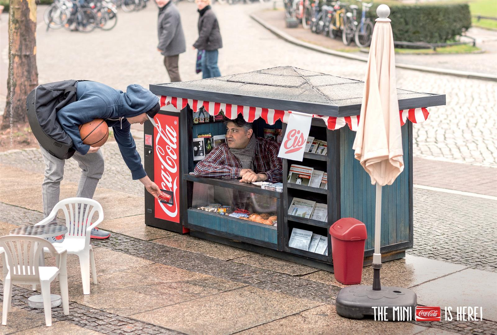 Coca-Cola Mini Kiosk (1)