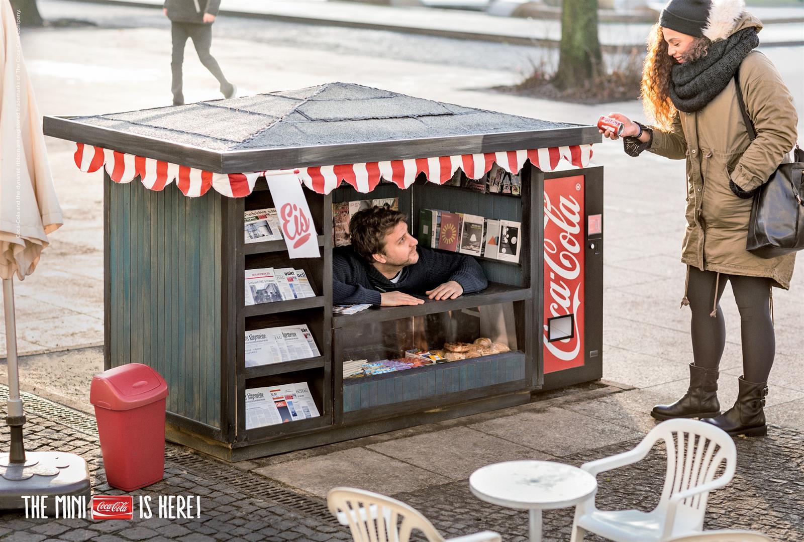 Coca-Cola Mini Kiosk (3)