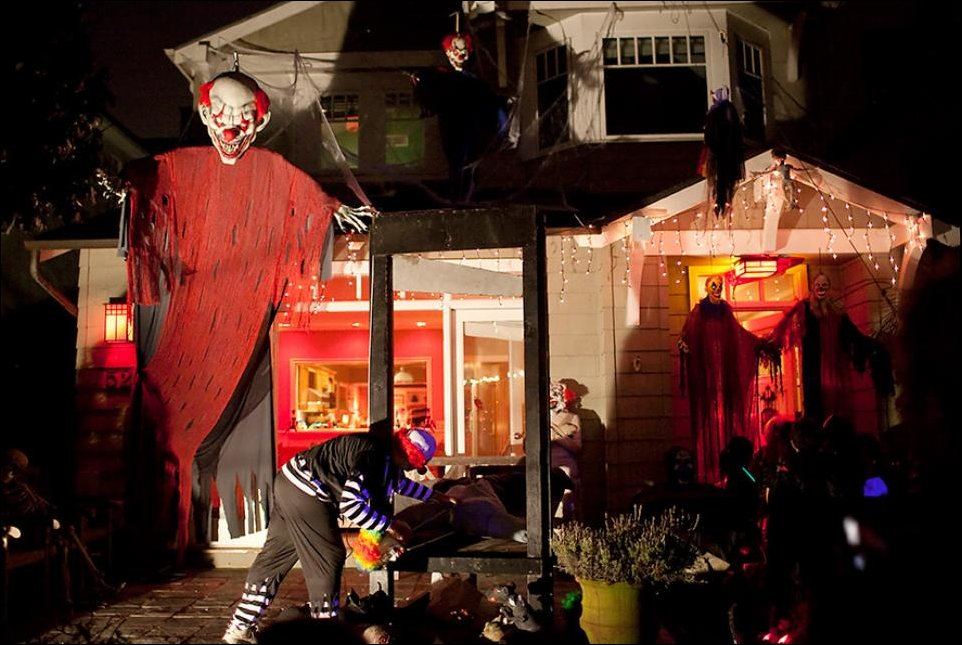 Evil Clowns Halloween Decor