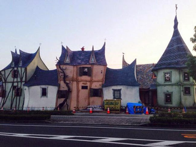 Fairy Tale Houses In Japan (1)