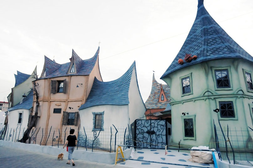Fairy Tale Houses In Japan (6)