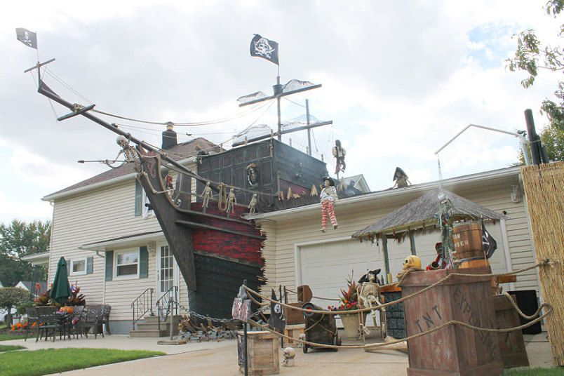 Pirate Ship Halloween Decor