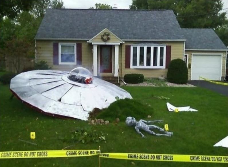 UFO Crash Halloween Decor