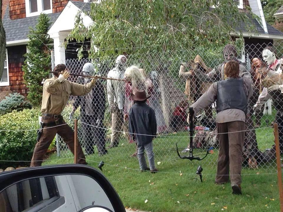 Walking Dead Halloween Decor