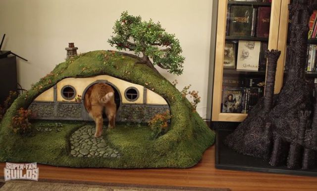 Lord of the Rings Cat Litter Box 15