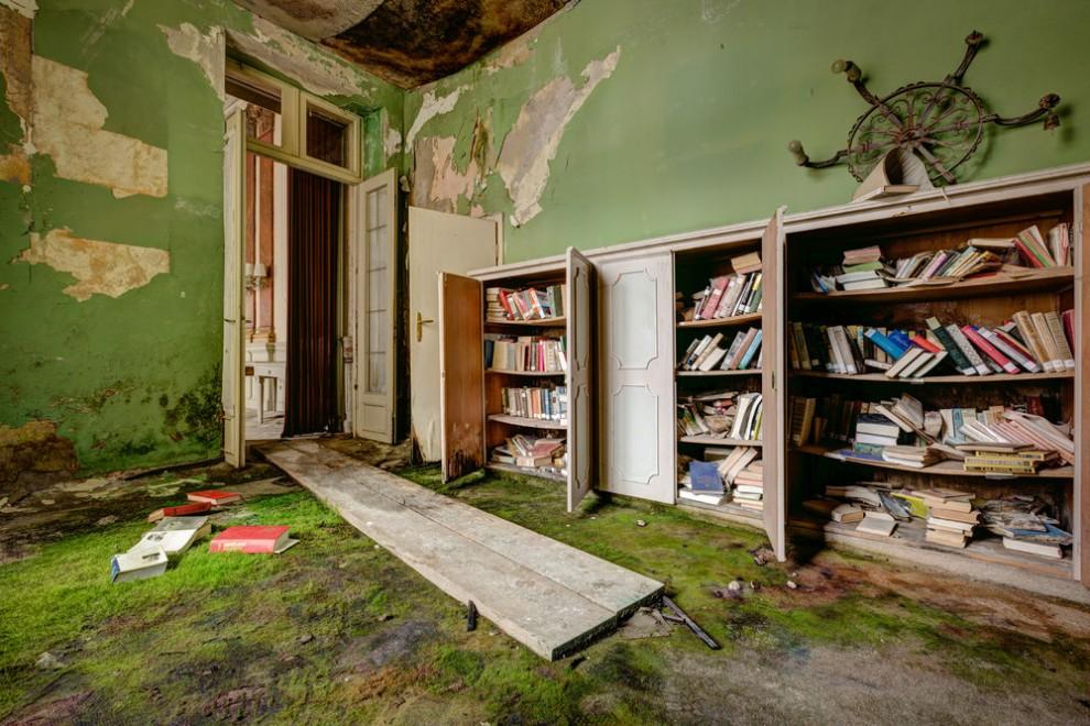 Abandoned Hotel 13