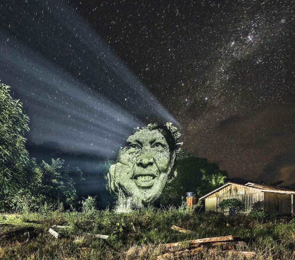 brazilian-indigenous-tribe-light-projection-1