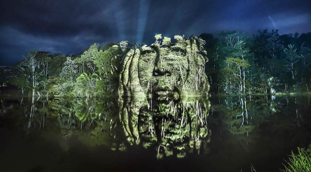 brazilian-indigenous-tribe-light-projection-3