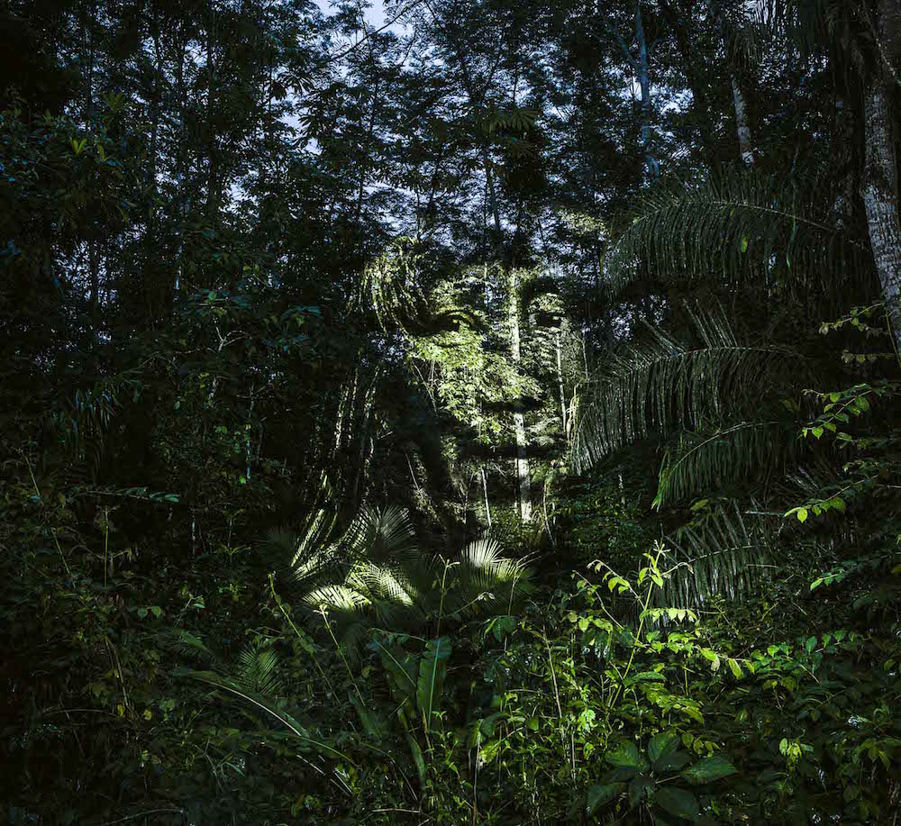 brazilian-indigenous-tribe-light-projection-5